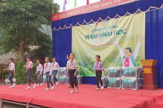 "<a href=""/tin-tuc-thong-bao"" title=""Tin tức - Thông báo"" rel=""dofollow"">Tin Slideshow</a>"